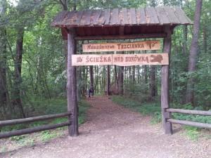1.Początek ścieżki nad Bukówką